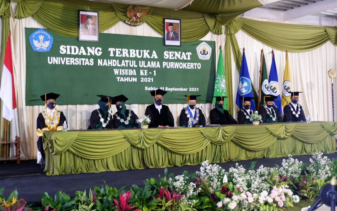 LUAR BIASA.. 79% Lulusan Wisuda ke 1 Universitas Nahdlatul Ulama Purwokerto Lulus dengan Predikat Pujian.